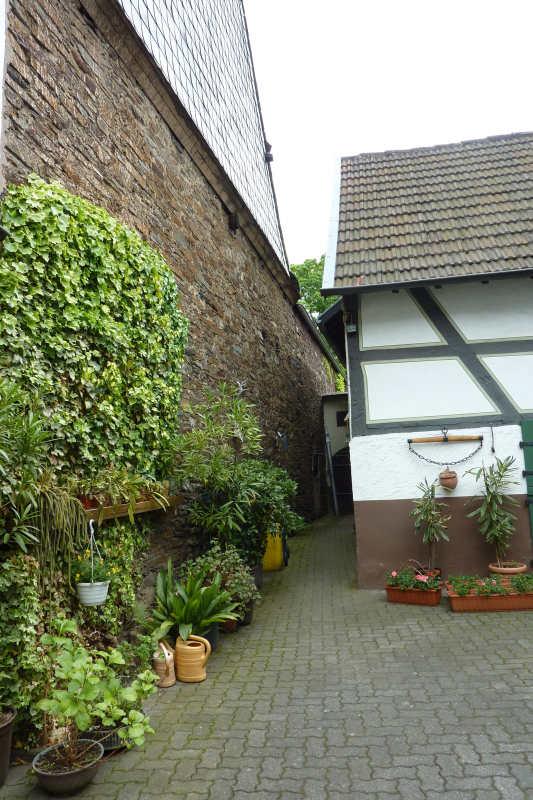 ferienwohnung ahrsteig g stehaus kelter walporzheim bad neuenahr ahrweiler. Black Bedroom Furniture Sets. Home Design Ideas